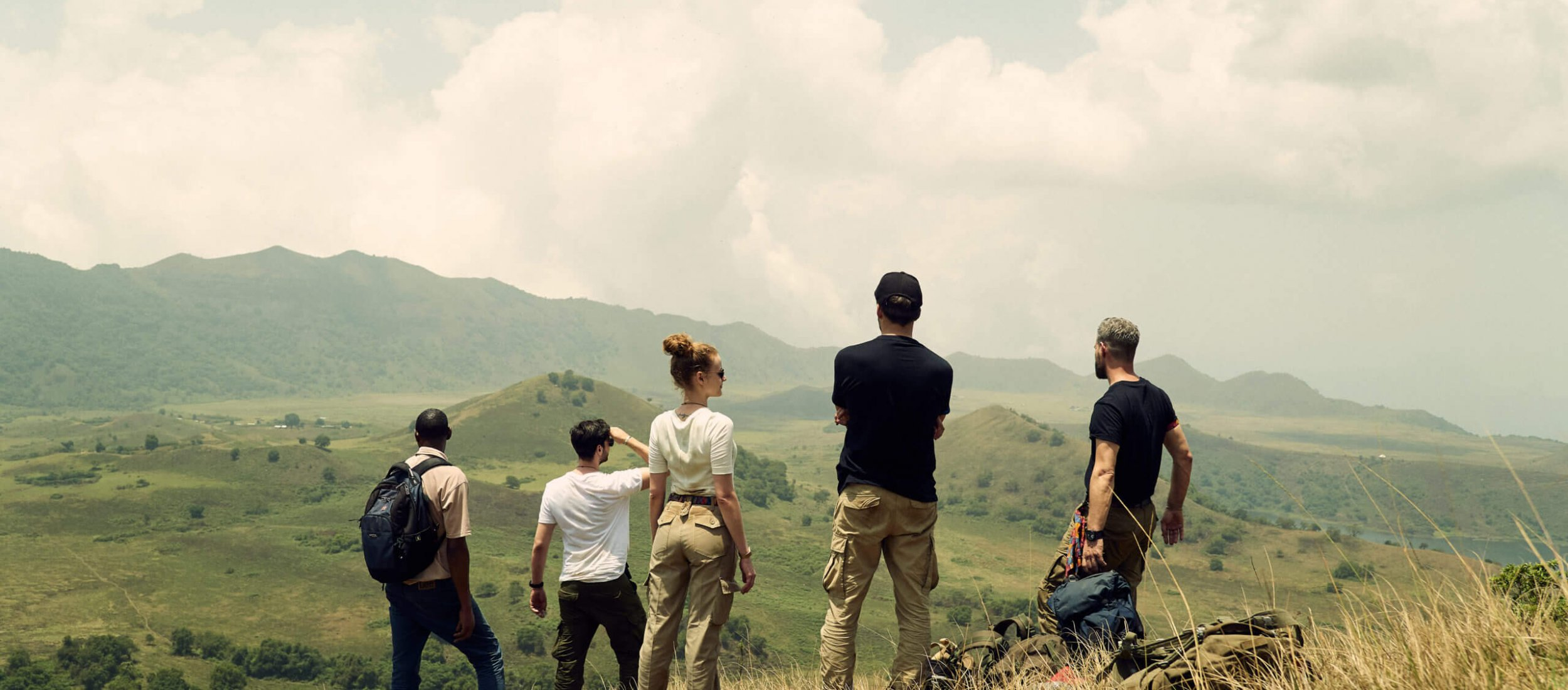 Das Vivi Kola Team auf einem Vulkan in Kamerun